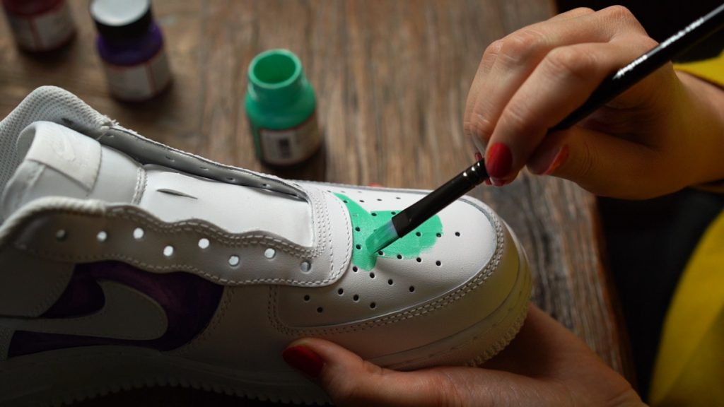 Step By Step Guide To Make Custom Nike Air Force 1